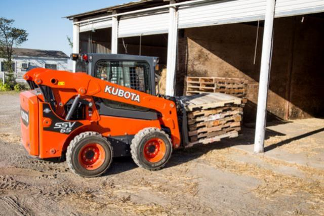 Where to find LOADER, SKID-STEER SSV65 KUBOTA in Livingston